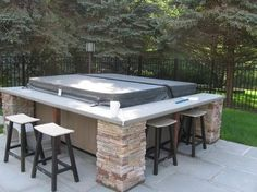 Spa with bar around the outside. Cool idea! We could easily do this!!