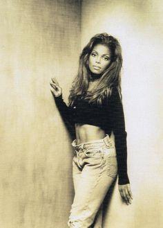 Janet Jackson 90s, Jo Jackson, Jackson Family, Shakira, Michael Jackson Photoshoot, 90s Inspired Outfits, The Jacksons, Petite Women, Black Girl Magic