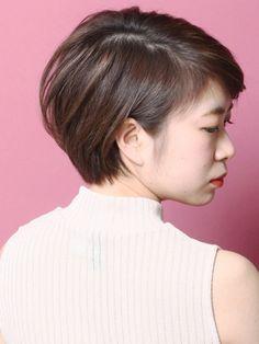 「大人ショートボブ「デファクト×ヌケ感」」 ショートのヘアスタイル。大人の為のショートボブの基準です。 Beauty Box, Hair Color, Hair Styles, Hair, Hairdos, Hair Plait Styles, Haircolor, Hair Makeup, Haircut Styles