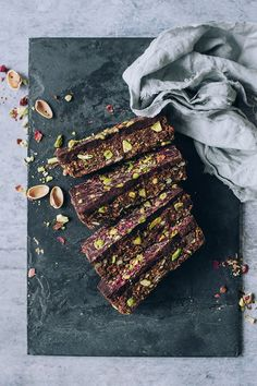... gluten-free granola bars with pistachio (vegan) ...