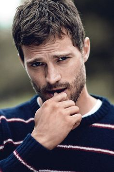 Cute pose of Jamie Dornan