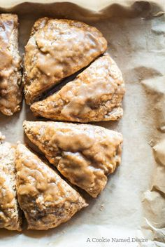 These bananas foster scones is a new decadent take on the classic dessert. These… These bananas foster scones is a new decadent take on the classic dessert. These scones are moist, soft and utterly delightful. Brunch Recipes, Breakfast Recipes, Dessert Recipes, Scone Recipes, Banana Scones, Banana Bread, Breakfast Scones, Nice Breakfast, Think Food