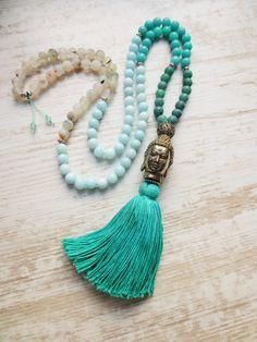 Charm- & Bettelketten - Mala Kette 108 Edelsteine Buddha Quaste türkis - ein Designerstück von weibsbild bei DaWanda
