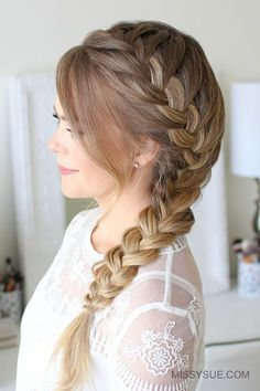 Side French Braid Here is a fun back-to-school hairstyle that is not only easy, but super cute. The side french braid is something of an old favorite of mine. Even though I have a super old tutorial for this style I thought it was time for an updated… Long Braided Hairstyles, Easy Hairstyles For School, Girl Hairstyles, Wedding Hairstyles, Hairstyles With Braids, Simple Hairstyles For Long Hair, French Hairstyles, Winter Hairstyles, Everyday Hairstyles