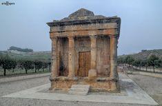 Roman History, Roman Art, World Photo, Architecture Old, Secret Places, Beautiful World, Medieval, To Go, Greek