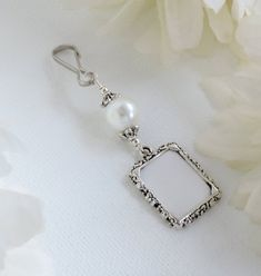 Wedding Bouquet Charms, Wedding Bouquets, Blue Pearl, Pearl Color, Small Picture Frames, Star Wedding, Wedding Bride, Wedding People, Photo Charms