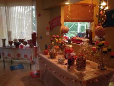 Big and mini candy tables