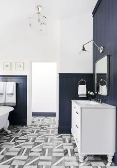 Emily Henderson Master Bathroom Ideas Home Style Interiordesign Marble Floor Navy