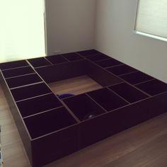 荷物が増え、置き場所もないので二階に畳の小上がりを作ろうと思ってカラーボックスたくさん買ってきました あとは蓋つけて畳つけようと思います。DIY/玄関/入り口のインテリア実例 - 2015-09-12 11:21:50 | RoomClip(ルームクリップ)