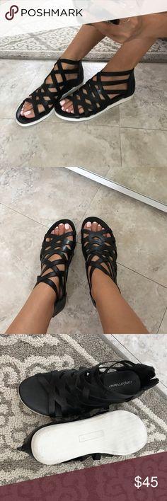 New comfortview black gladiator sandals 7 Brand new black gladiator sandals. So comfortable and stylish. Zip up back. Size women's 7. Shoes Sandals