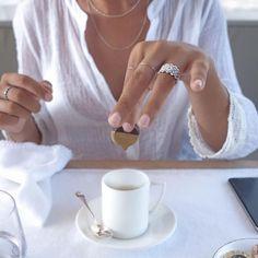 #Cameli lo sa che un #Lunedì è perfetto solo se si indossa l'anello perfetto! Buon #Lunedì!  #anelli #monteurano #gioielleriacameli #monday