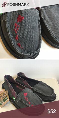 dd61f04234e6 Sanuk Yoga Mat Sandals New with tags!!✨ Sanuk