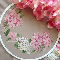 """2,801 Beğenme, 15 Yorum - Instagram'da Burcu'nun Kanaviçeleri (@burcununkanaviceleri): """"Mutlu akşamlar 🧡🌿"""" Ribbon Embroidery, Cross Stitch Embroidery, Cross Stitch Patterns, Cross Stitch Rose, Cross Stitch Flowers, Stitches Wow, Pink Cushions, Art N Craft, Ribbon Work"""