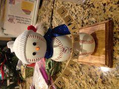 my baseball snowman Baseball Crafts, Baseball Sayings, Baseball Videos, Baseball Pictures, Baseball Mom, Baseball Players, Softball, Christmas Snowman, Christmas Time