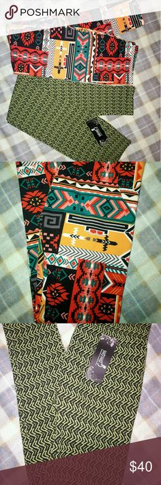 """Shosho legging lot (bundle of 2) (one is BNWT) Two pairs of leggings both shosho brand ONLY ONE PAIR is brand new with tags  The colorful pair is a size s/m The green pair (brand new) doesn't technically have a size but I would say a """"small"""" Shosho Pants"""
