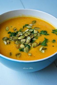 Delicious Titbits: Zupa krem z dyni z mleczkiem kokosowym i prażonymi pestkami…