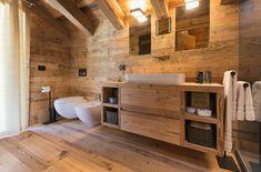 Casa Masso - Arte Rovere Antico Diy Bathroom, Natural Bathroom, Wooden Bathroom, Cabin Bathrooms, Guest Bathrooms, Rustic Bathrooms, Chalet Design, Cabin Design, House Design