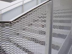 Metal expandido RAU utilizado como recubrimiento de escaleras
