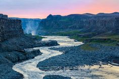 Photographing Dettifoss