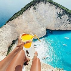 Whats better than a drink? A drink with a view! #amazing #experience #moments #memories #ocean #sea #beach #clear #beautiful #beauty #tan #chill #relax #cocktails #cliff #view #live #life #love #travel #holiday #vacation #summer