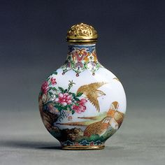 Chinese Snuff Bottles from the Sanctum of Enlightened Respect III exhibition, from the collection of Denis Low :Superb-Imperial-Quails (1736-1780)