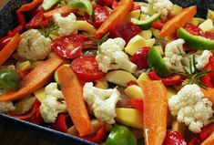 Fruit Salad, Cobb Salad, My Recipes, Chicken Recipes, Kung Pao Chicken, Pasta Salad, Potato Salad, Bacon, Food And Drink