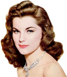 Debra Paget - I think one of the most beautiful women in Hollywood. She has classic beauty. Golden Age Of Hollywood, Vintage Hollywood, Hollywood Stars, Classic Hollywood, Classic Actresses, Hollywood Actresses, Beautiful Actresses, Most Beautiful Women, Beautiful People