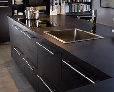 Kitchen island with induction hob, sink and mixer tap - IKEA Kitchen Stools, Ikea Kitchen, Kitchen Interior, Kitchen Decor, Kitchen Cabinets, Black Cabinets, Kitchen Hob, Kitchen Island With Sink, Open Plan Kitchen