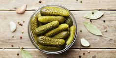 Homemade Gherkins Pickles s- Tiny cucumber like fruit that are soaked in brine and pickled for a crunchy sour snack or used as a classic condiment. Jewish Recipes, Gourmet Recipes, Healthy Recipes, Green Lentil Salad, Gherkin Pickle, Menu Simple, Garlic Dill Pickles, Healthy Snacks To Buy, Pickling
