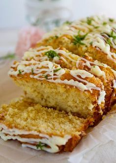 Rich Lime & Coconut Cake (replace butter and condensed milk with coconut oil and coconut milk for more coconut taste) Lime Recipes, Coconut Recipes, Sweet Recipes, Baking Recipes, Dessert Recipes, Coconut Loaf Cake, Lime And Coconut Cake Recipe, Tray Bakes, Yummy Cakes
