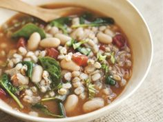 Tuscan Farro Soup with White Beans, Tomatoes & Basil
