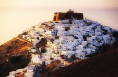 Astypalaia Costa, Places In Greece, Greek History, Byzantine, Greek Islands, Castles, Maine, Medieval, Spaces