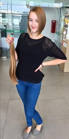 https://flic.kr/p/HsMKDw   She went short   Long golden locks snipped short