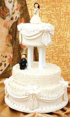 Bolo de casamento com recheio de baba de moça / DIY, Craft, Upcycle