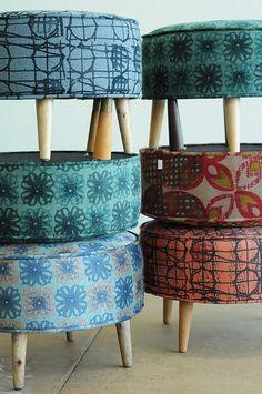 Poufs chez foutu tissu à Montréal - upcycled furniture, ottomans and cushions
