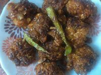 Baked manchurian using oats and rice flour. No deep frying, no corn flour, no all purpose flour... Hema's HealthyYetTasty Recipes: Healthy Baked Vegetable and Oats Manchurian