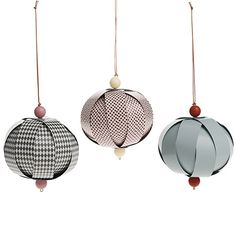 Ferm Living Christmas decoration Ferm Living | these balls are made of paper and give us an elegant and fresh mood