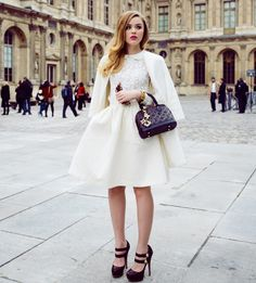 all-white-outfit-with-statement-bag-and-mary-jane-shoes