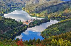 Secrets From Portugal is here to tell you all about this new tourism nature trend. Portugal is much more than Lisbon and Porto Portugal Places To Visit, Places To Go, Portugal Nord, Portugal Travel, Ferreira Do Zêzere, Sea Activities, Douro Valley, Photos, Pictures