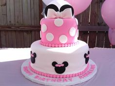 Minnie Pink By Yane on CakeCentral.com