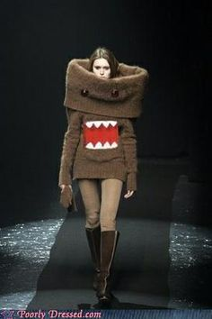 Ahahhahahhaha.....I'd so wear this around campus and make my bf walk with meh xD