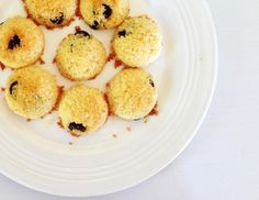 Low Calorie Coconut Macaroons with dark chocolate chips