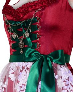 LODENFREY | Silk & Pearls Dirndl kurz mit Spitzen-Schürze 999,00 € Detail www.lodenfrey.com