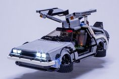 this hyper-detailed LEGO delorean even comes with a micro-sized flux capacitor Delorean Time Machine, The Time Machine, Minecraft Lego, Lego Lego, Minecraft Skins, Minecraft Buildings, Lego Hand, Instructions Lego, Lego Machines