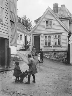 Nordnesveien fra marcus.uib.no Bergen, Vintage Photos, Norway, The Past, In This Moment, History, Couple Photos, Photography, Pictures