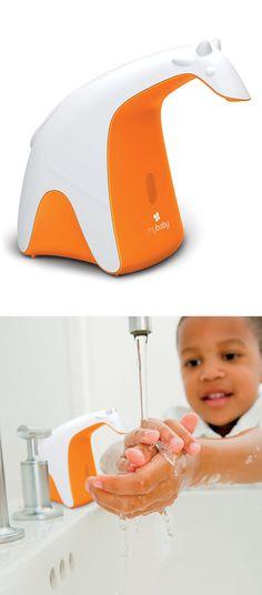 Giraffe Automatic Soap Dispenser // so cute! #product_design