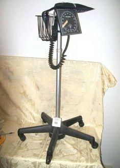 Welch Allyn Blood Pressure Monitor on wheel stand Pressure Units, Blood Pressure, Vital Signs, Monitor, Wheels, Industrial, Business, Health, Ebay