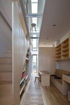 尼崎の家: 藤原・室 建築設計事務所が手掛けた玄関・廊下・階段です。