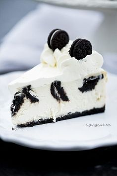 Cheesecake with Oreo cookies Great Desserts, Delicious Desserts, Dessert Recipes, Yummy Food, Food Cakes, Cupcake Cakes, Cupcakes, Oreo Cheesecake, Cheesecake Recipes