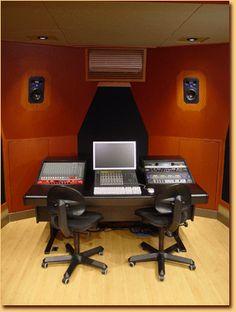 Simple Clean Recording Studio Set Up